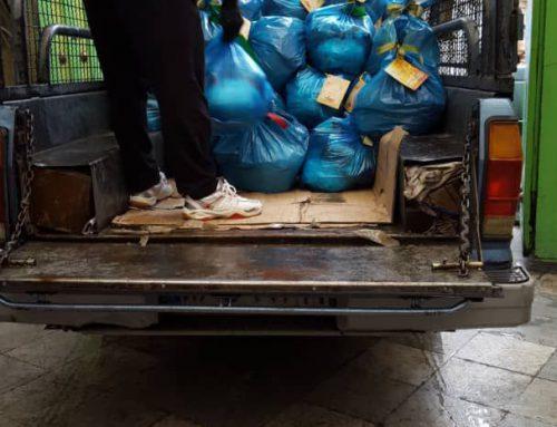 توزیع سبدهای ارزاق و مواد ضدعفونی کننده و شوینده در محل سکونت نیازمندان